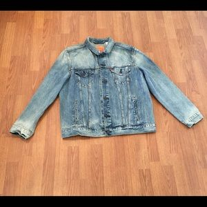 Levi Men's Denim Jacket Trucker Bleached Vintage ?